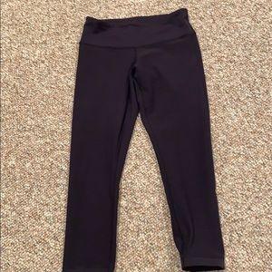 Lululemon dark blue cropped leggings